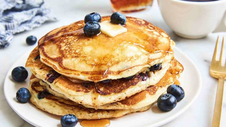 Start your morning with fluffy Blueberry Banana Pancakes